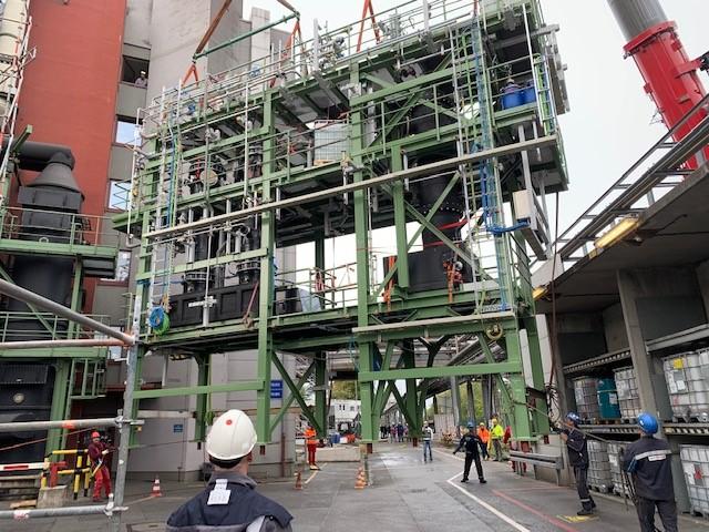 Stahlbau am Kranhaken